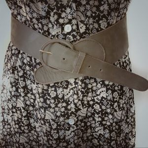 The Ritz suede belt S/M olive green